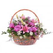 Interflora Cesta Primaveral Multicolor - Flores a Domicilio