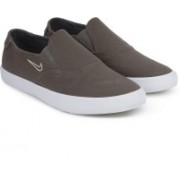 Nike NIKE SB PORTMORE II SLR SLP C Sneakers For Men(Brown)