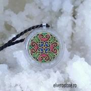 Pandantiv mandala, angelit, amazonit, fluorit, crisopraz, piatra soarelui. Înțelepciunea echilibrului interior
