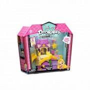 Set tematic de joaca Moose Toys Doorables S1 Rapunzel Tower