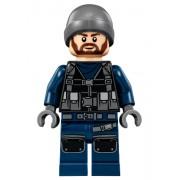 JW018 Minifigurina LEGO Jurassic World - Guard (JW018)