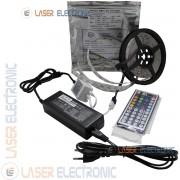 Striscia Strip LED RGB Multicolore 5MT IP20 con Telecomando e Alimentatore 12V 5.0AH