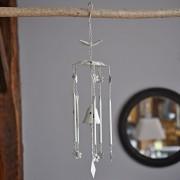 Carillon Papillon en fer patiné blanc