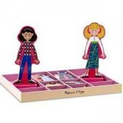 Занимателна игра - Приятелките Аби и Ема с магнитни дрехи, Melissa and Doug, 000772149402