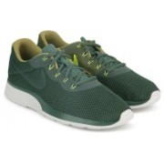 Nike TANJUN RACER Running Shoes For Men(Green)