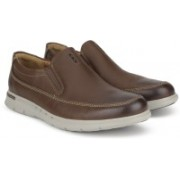 Clarks Unbyner Easy Dark Brown Lea Slip On For Men(Brown)