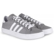 Adidas Originals COURTVANTAGE Men Sneakers For Men(Grey, White)