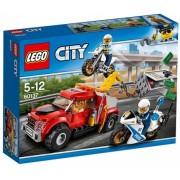 Cazul Camionul de remorcare 60137 LEGO City
