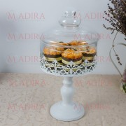 Bomboniera sau Recipient Briose, Model Metalic cu Design Dantelat Alb