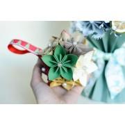Glob de flori din hartie Origami
