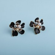 Silver Shine Fashionable Enamel Black Flower Design With Beads Party Wear Tops Stud Earring For Girls And Women