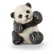 Pui de Panda jucandu-se