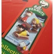 PEANUTS GANG Sledding Mini Figure Set (Collectible Tin/2013 Edition)