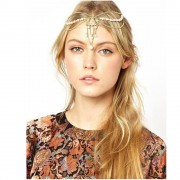 Bentita hippie, cu medalion floral si perle