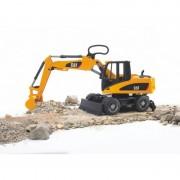 Bruder Excavator Caterpillar