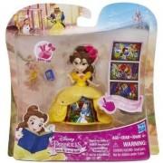 Disney Princess - Mini papusa Belle, cu rochie magica