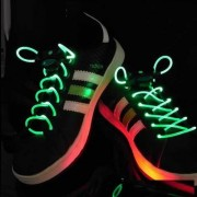 Light Up LED Laces VERDE - lacci per le scarpe a LED
