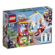 Конструктор LEGO Super Hero Girls Харли Квинн? спешит на помощь