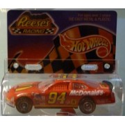 Hot Wheels - Reese's Racing - Bill Elliott - 1/64 Scale Die Cast Replica Race Car - NASCAR