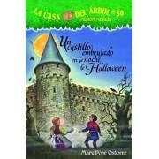 Un Castillo Embrujado En La Noche de Halloween, Paperback