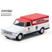 Greenlight 1:64 Running on Empty Series 1 1968 Chevrolet C-10 White Standard Oil