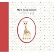 Mijn baby album met Sophie de Giraf
