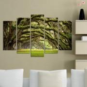 Декоративен панел за стена с приказна илюстрация в зелено Vivid Home