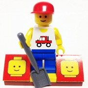 MinifigurePacks: Lego City/Town Bundle (1) TRUCKER (1) FIGURE DISPLAY BASE (1) FIGURE ACCESSORY