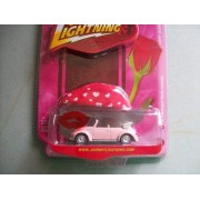 Johnny Lightning Happy Valentine's Day 1975 Vw Beetle Cabriolet