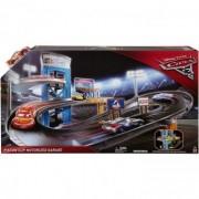 Cars 3 Disney Piston Cup Motorized Garage FCX97