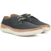 Clarks Veho Flow Navy Nubuck Sneakers For Men(Navy)
