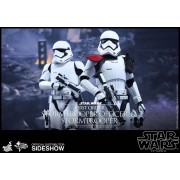 HOT TOYS Star Wars First Order Stormtrooper Officer - Stormtrooper Action Figure