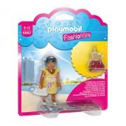 Playmobil Fashion Girls, Fetita in tinuta de vara