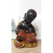 Olvasó Buddha szobor
