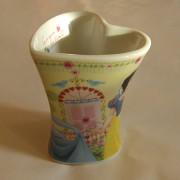 Szív formájú Hercegnős porcelán bögre