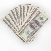 Забавная пачка денег - 100 долларов
