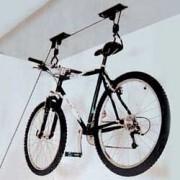 Westfalia Fahrradlift bringt Ordnung in Keller und Garage