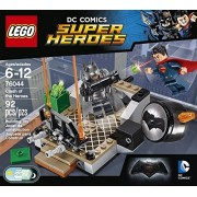 Super Heroes LEGO 92 PCS Clash of the Heroes Brick Box Building Toys