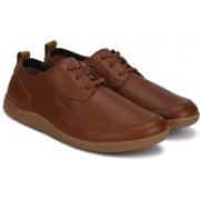 Clarks Mapped Lo British Tan Lea Casuals For Men(Brown)
