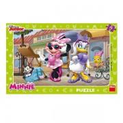 Puzzle pentru copii Minnie si Daisy la plimbare, 15 piese, 3-5 ani
