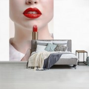 Afbeelding van rode lippen en lippenstift die een vrouw vast heeft fotobehang