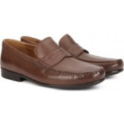 Clarks CLAUDE LANE BROWN LEATHER Slip On For Men(Brown)
