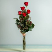 Interflora - 5 Rosas Rojas de Tallo Largo - Flores a Domicilio