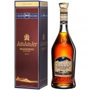Ararat 10 ani 0.7L