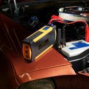 Hochleistungs-Starthilfe, NotfallTool, Powerbank, Gurtschneider, Nothammer, Kompass und LEDTaschenlampe mit Dauer- und SOSBlinklicht
