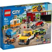 Lego set de construcción lego city taller de tuneado 60258