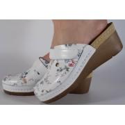 Saboti/Papuci albi din piele naturala dama/dame/femei (cod 1003)
