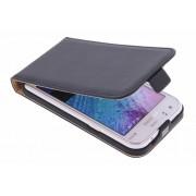 Luxe Flipcase voor de Samsung Galaxy J1 - Zwart