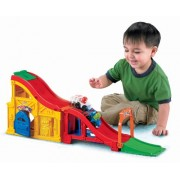 Fisher Price Little People Wheelies Rev 'N Sounds Race Track