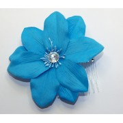 SKY BLUE FLOWER WITH DIAMONTIE FASCINATOR MOUNTED ON A DIAMONTIE EFFECT COMB
